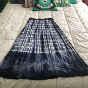 Tie Dye navy and white maxi skirt by Tryst.